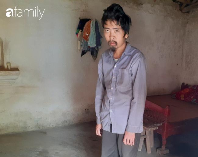 Tình yêu cháy bỏng của bà mẹ nghèo với cậu con trai tâm thần suốt hơn 30 năm   - Ảnh 8.
