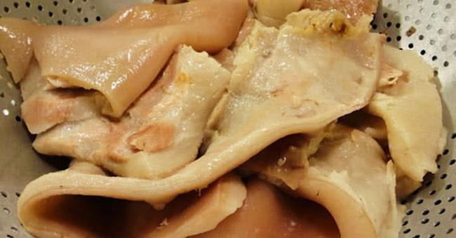 Bóng bì lợn ngon thì ngon thật nhưng dễ bị làm bẩn: Chuyên gia hướng dẫn cách chọn bóng bì lợn đảm bảo cho mâm cơm Tết - Ảnh 1.