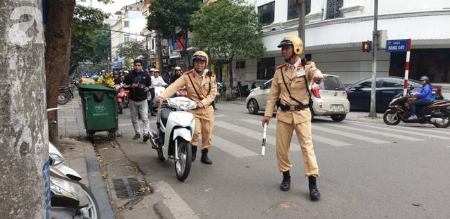 Hà Nội: Nam sinh viên đi dự đám cưới uống chén rượu trên đường về gặp CSGT bị phạt nặng - Ảnh 2.