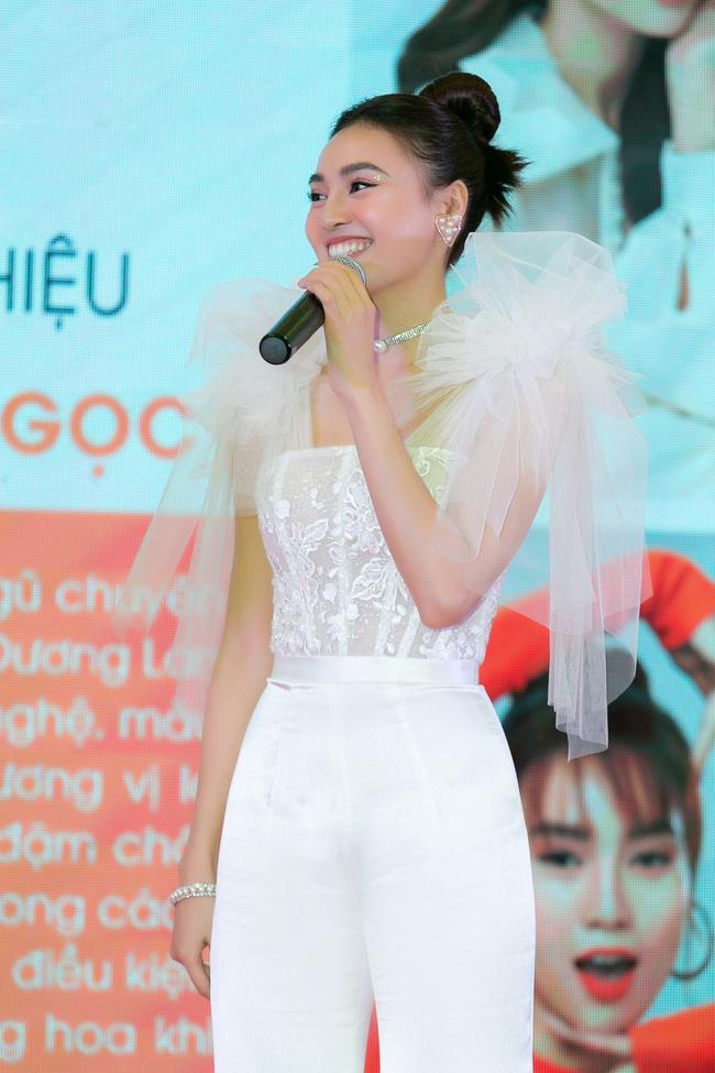 Ninh Dương Lan Ngọc hát live cực hay ho, vừa xuất hiện đã khiến fan náo loạn  - Ảnh 10.