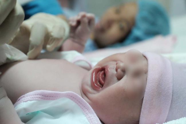 Vụ sản phụ mất con 40 tuần tuổi trong bụng tại BV Từ Dũ: Nguyên nhân thai nhi tử vong là gì? - Ảnh 3.