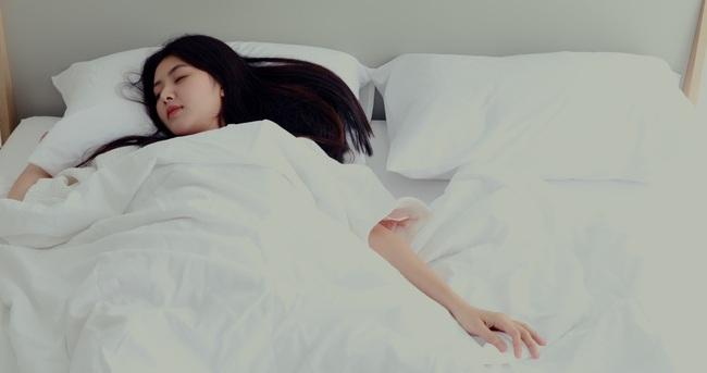 Bạn trai muốn hẹn hò về đêm nhưng nàng công sở chỉ muốn... ngủ với lý do mà mọi dân văn phòng đều ao ước! - Ảnh 2.
