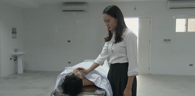 Hoa hồng trên ngực trái: Câu trả lời cho những khán giả chê phim vô lý, thắc mắc về cái chết của Thái - Ảnh 3.