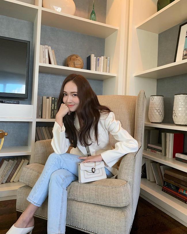 Muốn tóc mình suôn đẹp chuẩn mực như tóc của Song Hye Kyo, Park Shin Hye cùng loạt sao Hàn thì bạn phải nghe 7 bí kíp từ họ - Ảnh 1.