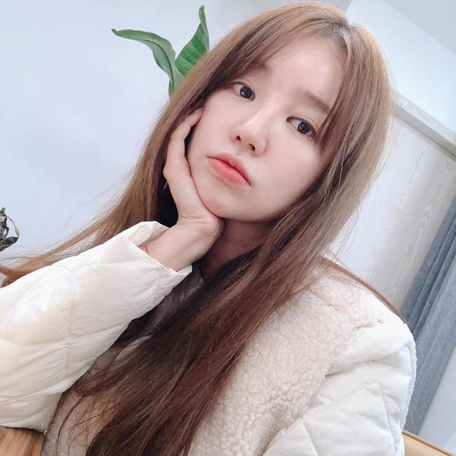 Muốn tóc mình suôn đẹp chuẩn mực như tóc của Song Hye Kyo, Park Shin Hye cùng loạt sao Hàn thì bạn phải nghe 7 bí kíp từ họ - Ảnh 2.