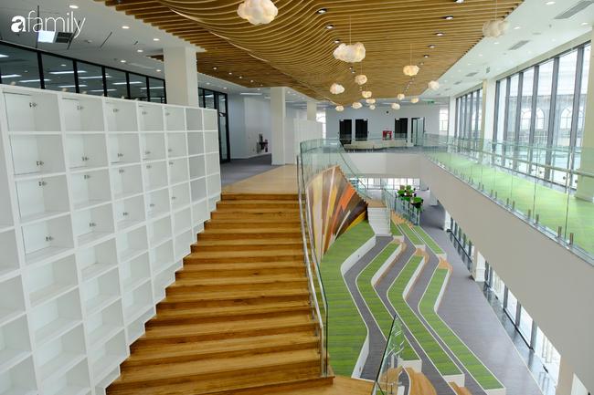 Thêm những hình ảnh đẹp lung linh của trường đại học VinUni: Không chỉ đạt tiêu chuẩn QS 5 sao mà từng góc kiến trúc ẩn chứa thông điệp sâu sắc - Ảnh 18.