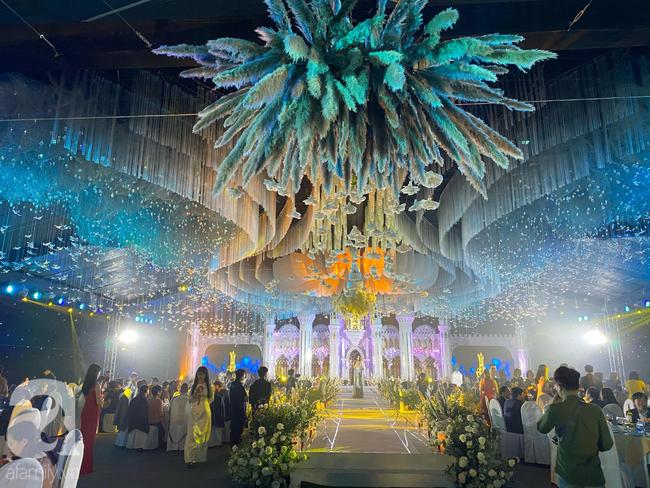 """Cô dâu trong """"siêu đám cưới"""" ở Thái Nguyên chính thức lên tiếng tiết lộ về chuyện tình yêu và lễ cưới với những con số """"đủ sức làm choáng"""" - Ảnh 7."""