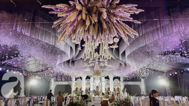 """Cô dâu trong """"siêu đám cưới"""" ở Thái Nguyên chính thức lên tiếng tiết lộ về chuyện tình yêu và lễ cưới với những con số """"đủ sức làm choáng"""" - Ảnh 8."""