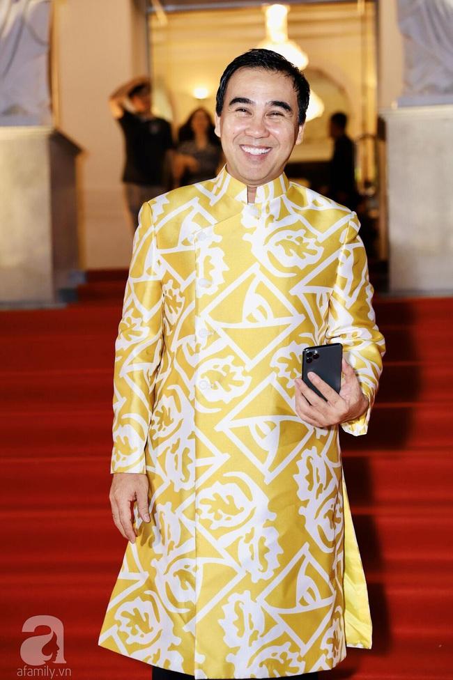 Thảm đỏ Lễ trao giải Mai Vàng: Nhật Kim Anh gợi cảm những vẫn để lộ thân hình kém thon gọn, Lâm Vỹ Dạ tươi tắn cạnh ông xã  - Ảnh 8.