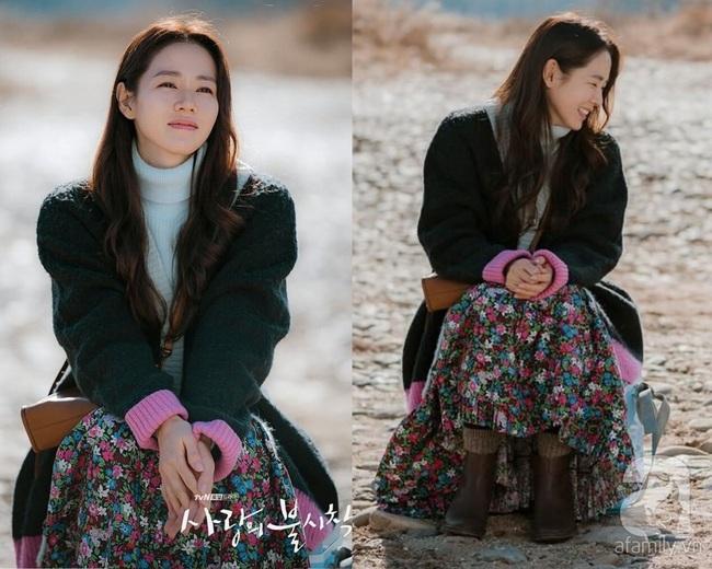 """Crash Landing On You: Ngắm Son Ye Jin chợt nhận ra combo váy áo dễ biến chị em thành """"bà cô"""", nàng ngoài 30 càng phải lưu tâm - Ảnh 1."""