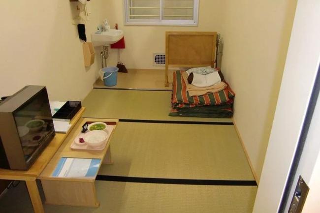 """""""Vào tù dưỡng già"""": Lối thoát cực đoan của những người phụ nữ cô độc và hệ quả nghiêm trọng đè nặng lên xã hội Nhật Bản - Ảnh 3."""