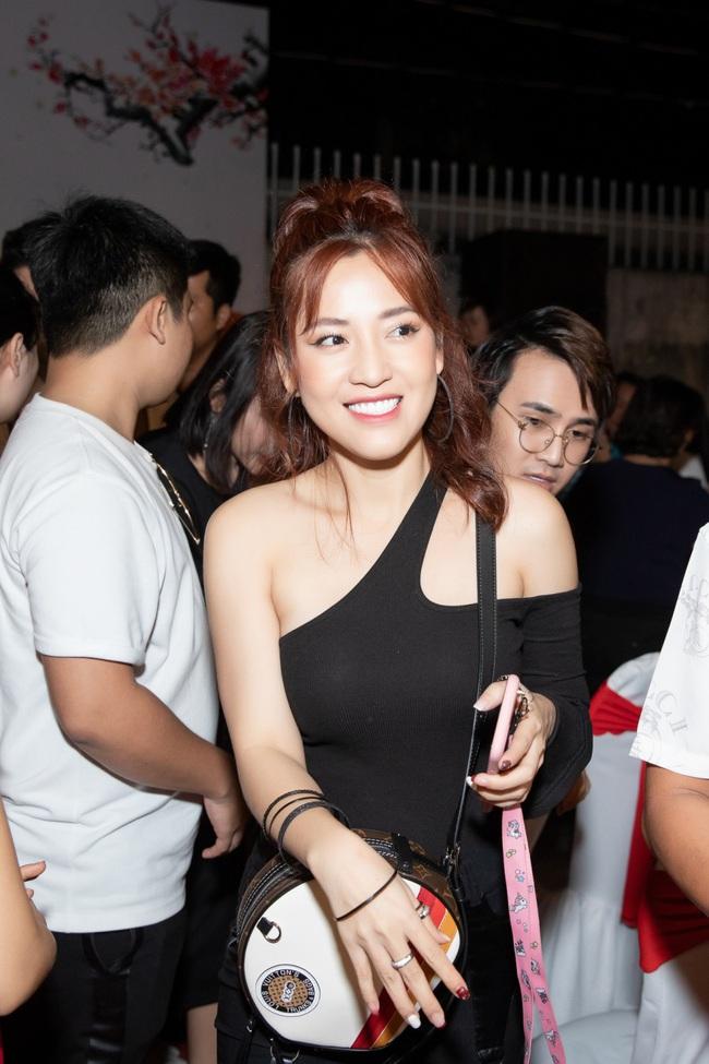 """Vợ chồng Nhã Phương - Trường Giang gây sốt với loạt ảnh """"tình bể bình"""" khiến không ít người ganh tỵ - Ảnh 7."""