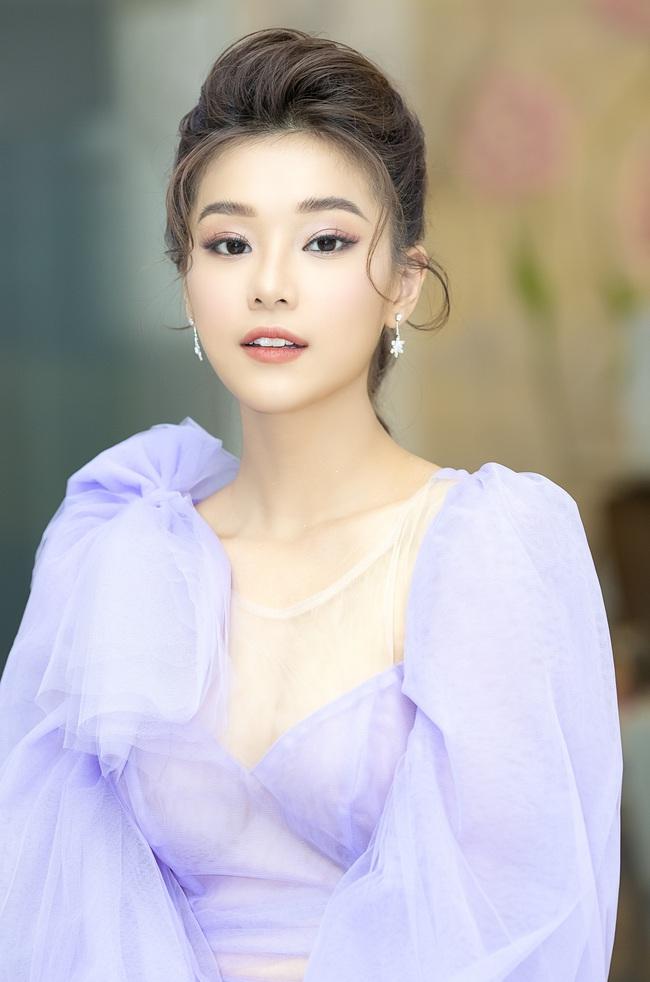 Dịch bệnh ám ảnh cả showbiz: Phim của Hoàng Yến Chibi hoãn chiếu, Bích Phương livestream thông báo dời show - Ảnh 6.
