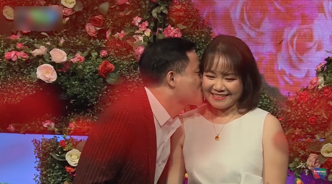 """""""Bạn muốn hẹn hò"""": Gặp chàng trai giống thủ môn Đặng Văn Lâm, nàng U30 liền nhanh tay bấm nút - Ảnh 17."""