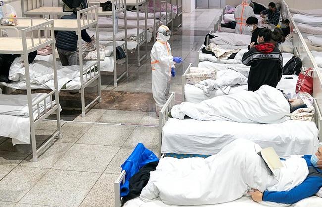 Cẩn trọng trước 10 thói quen tai hại khiến virus corona Vũ Hán lây lan nhanh không tưởng, cứ 9/10 người đều mắc phải hàng ngày - Ảnh 1.