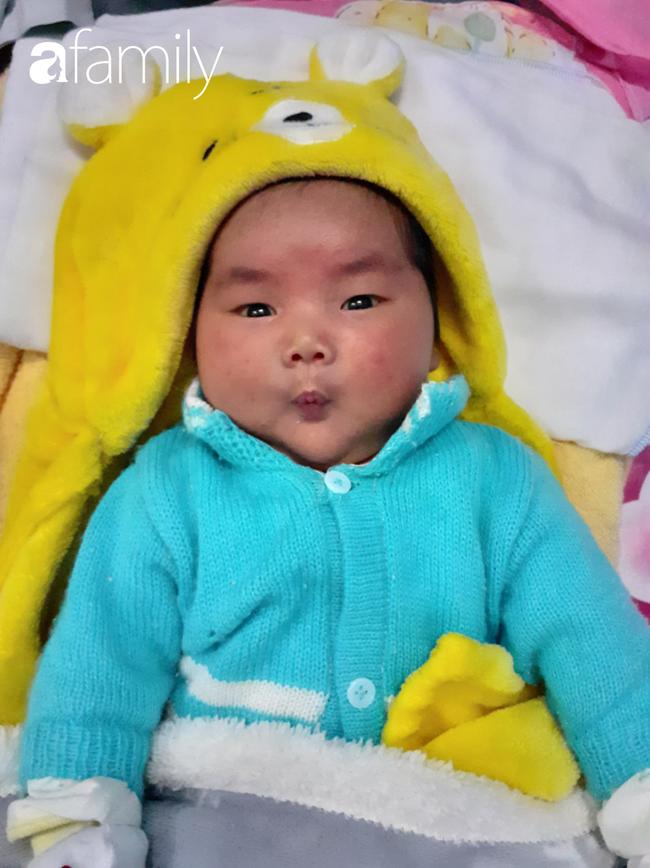 Nhìn ảnh em bé sơ sinh bụ bẫm nặng gần 5kg ai cũng yêu nhưng riêng người mẹ này mới hiểu rủi ro mình phải đối mặt trong thai kỳ - Ảnh 3.