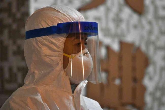 Cập nhật: 2 trong số các trường hợp nhiễm virus corona mới ở Anh là nhân viên y tế, hơn 1.000 đã chết, WHO vẫn thúc giục thực hiện biện pháp này để ngăn chặn - Ảnh 2.