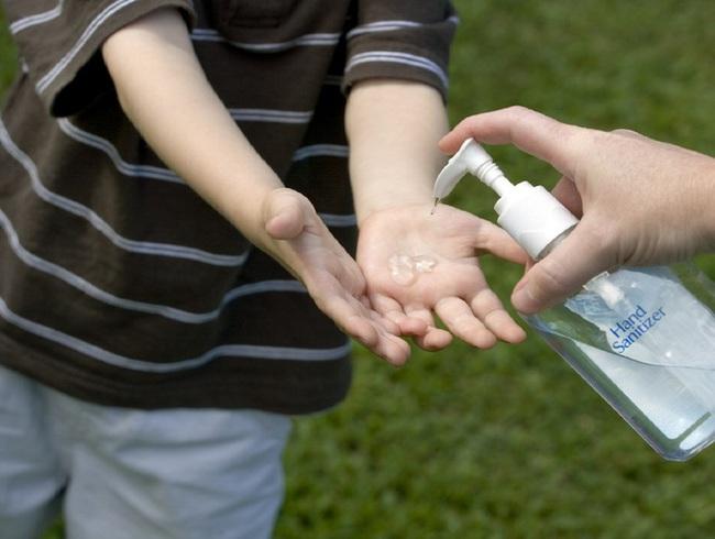 Không phải nước rửa tay khô, chuyên gia tiết lộ bà bầu và trẻ em rửa tay bằng xà phòng là hiệu quả nhất - Ảnh 3.