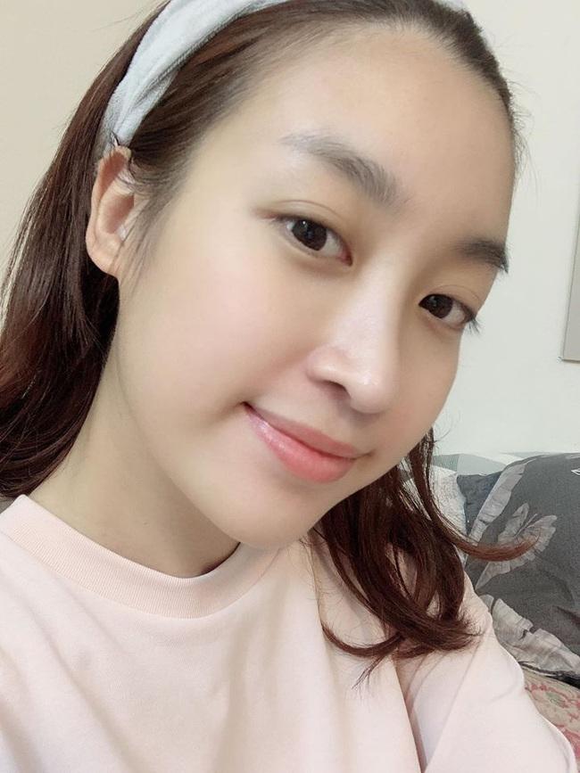 """Soi mặt mộc của các Hoa hậu Việt: H'Hen Niê đã """"đỉnh"""" lắm rồi nhưng vẫn thua đàn em này - Ảnh 4."""