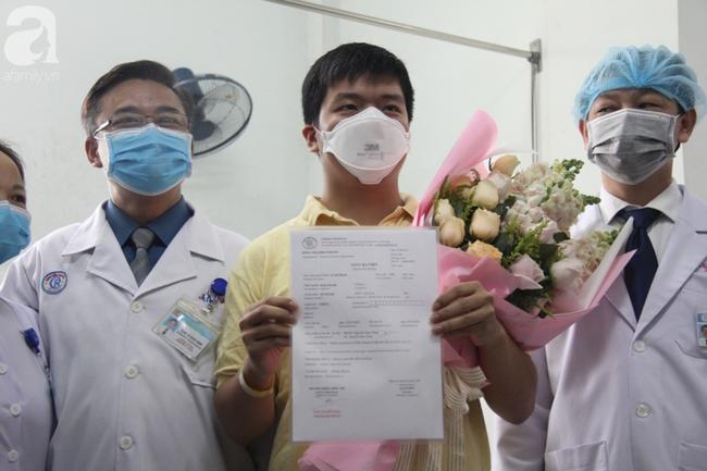Người cha Trung Quốc nhiễm virus corona (Covid-19) đã có kết quả xét nghiệm âm tính, sắp được xuất viện - Ảnh 1.