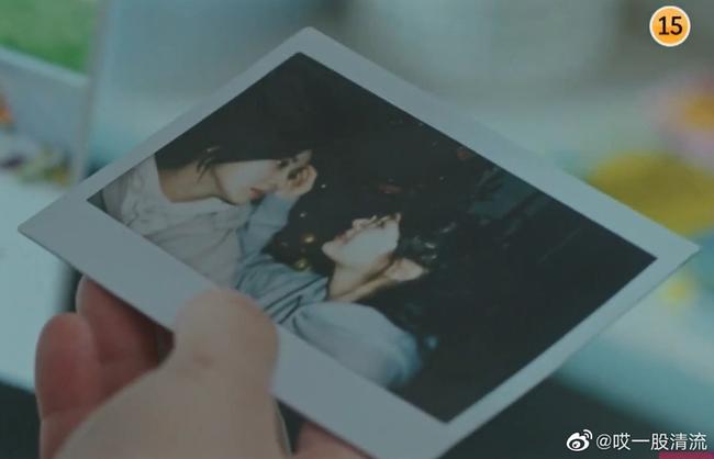 Lee Chung Ah khoe ảnh ôm ấp tình tứ với bạn diễn đồng giới Seohyun (SNSD) trong phim bách hợp - Ảnh 3.