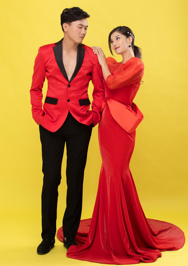 """Hoàng Yến Chibi đẹp lộng lẫy đón Valentine cùng Quách Ngọc Tuyên, khác xa hình ảnh """"cô xe ôm"""" trong phim - Ảnh 1."""