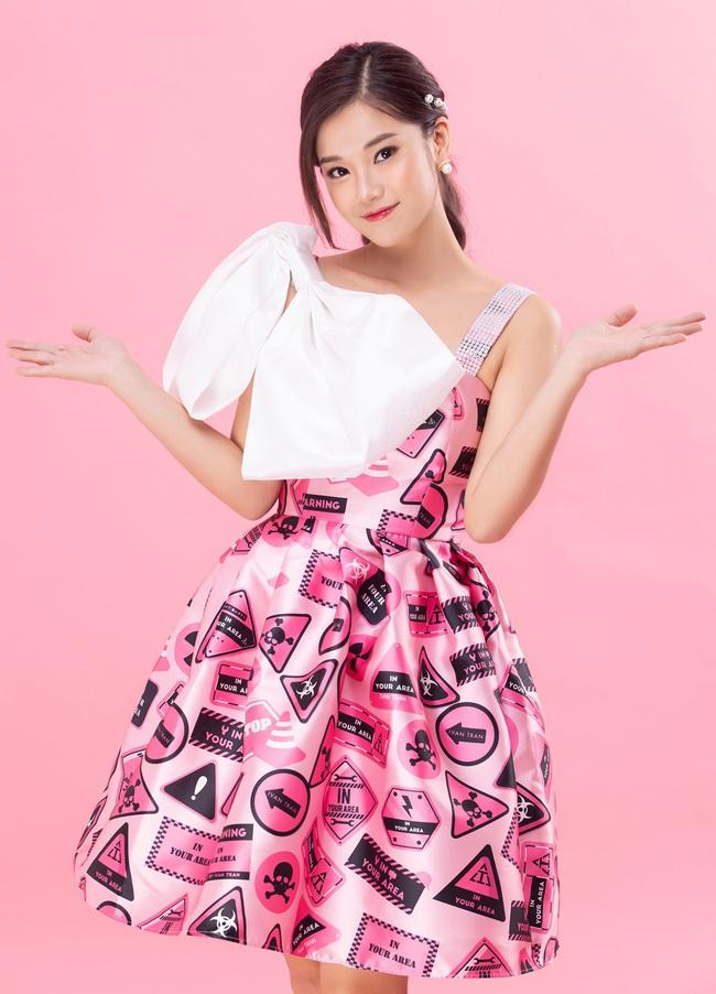 """Hoàng Yến Chibi đẹp lộng lẫy đón Valentine cùng Quách Ngọc Tuyên, khác xa hình ảnh """"cô xe ôm"""" trong phim - Ảnh 7."""