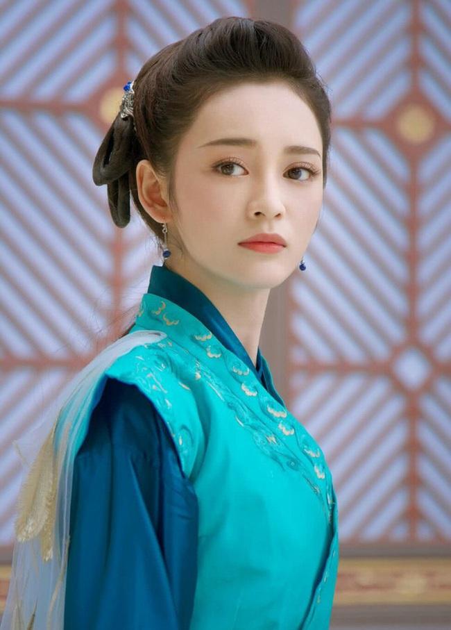 """""""Tam sinh tam thế Chẩm thượng thư"""": Cô gái bị tẩy chay vì chê bai Dương Mịch nay lại là tình địch của Địch Lệ Nhiệt Ba - Ảnh 5."""
