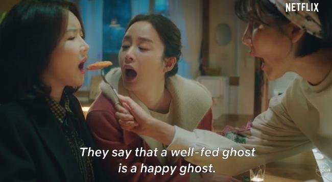"""Kim Tae Hee làm ma nữ tấu hài trong phim thế sóng """"Crash Landing On You"""": Để lộ bọng mắt to, da chảy xệ  - Ảnh 3."""