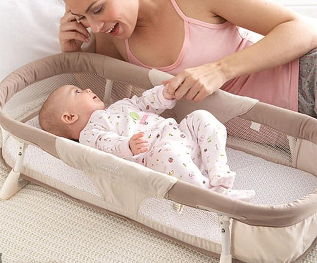 """Nôi ngủ chung giường cho bé – cứ tưởng là """"cứu cánh"""" cho bố mẹ nhưng lại ẩn chứa nhiều bất cập khôn lường - Ảnh 1."""