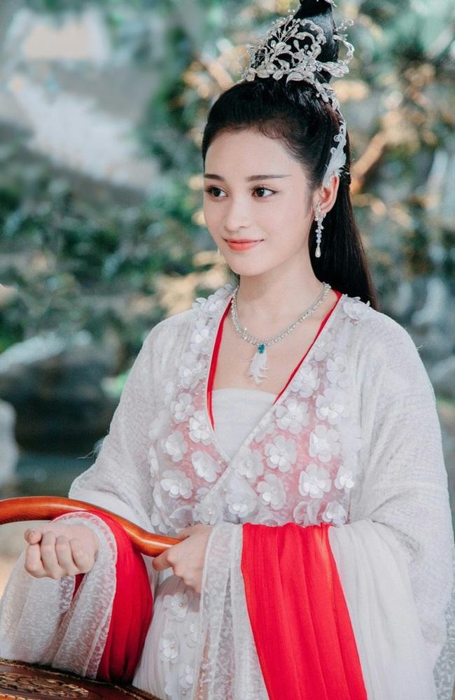 """""""Tam sinh tam thế Chẩm thượng thư"""": Cô gái bị tẩy chay vì chê bai Dương Mịch nay lại là tình địch của Địch Lệ Nhiệt Ba - Ảnh 6."""