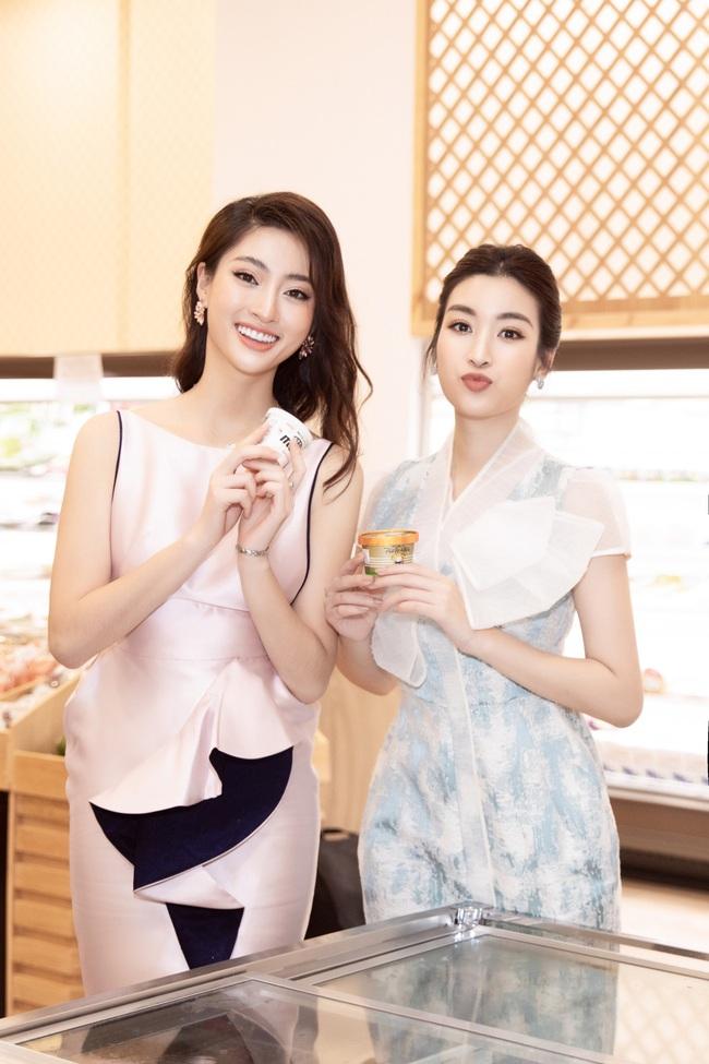 """Sau khi """"xuống tóc"""", Hoa hậu Lương Thùy Linh trông càng giống Đỗ Mỹ Linh - Ảnh 3."""