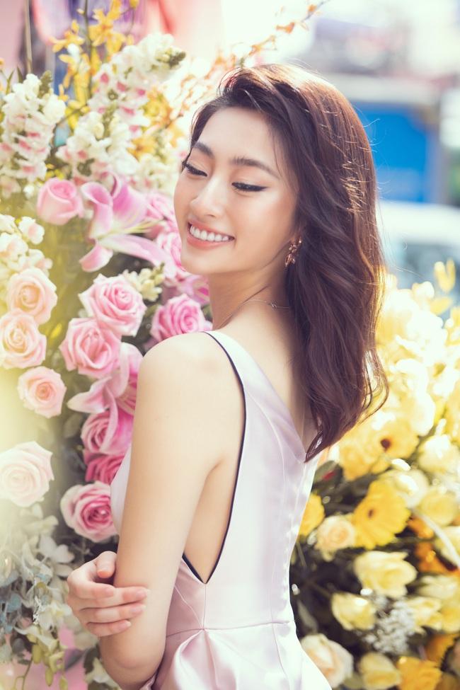 """Sau khi """"xuống tóc"""", Hoa hậu Lương Thùy Linh trông càng giống Đỗ Mỹ Linh - Ảnh 7."""