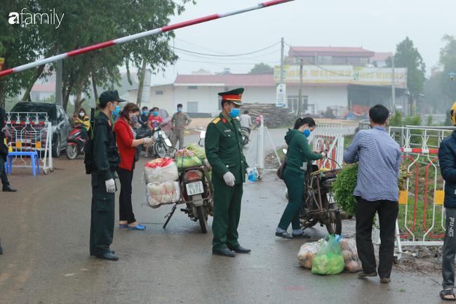 """Chủ tịch UBND huyện Bình Xuyên: """"Phải thực hiện niêm yết giá như chưa có dịch, nếu tăng giá chính quyền sẽ chịu tránh nhiệm"""" - Ảnh 2."""
