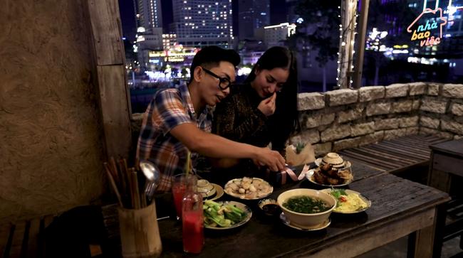 """Chồng mỹ nhân Việt không bao giờ làm người khác thất vọng: Người tặng vợ xế hộp, túi hiệu, Ưng Hoàng Phúc """"chơi lớn"""" nhất mùa Valentine 2020 - Ảnh 4."""