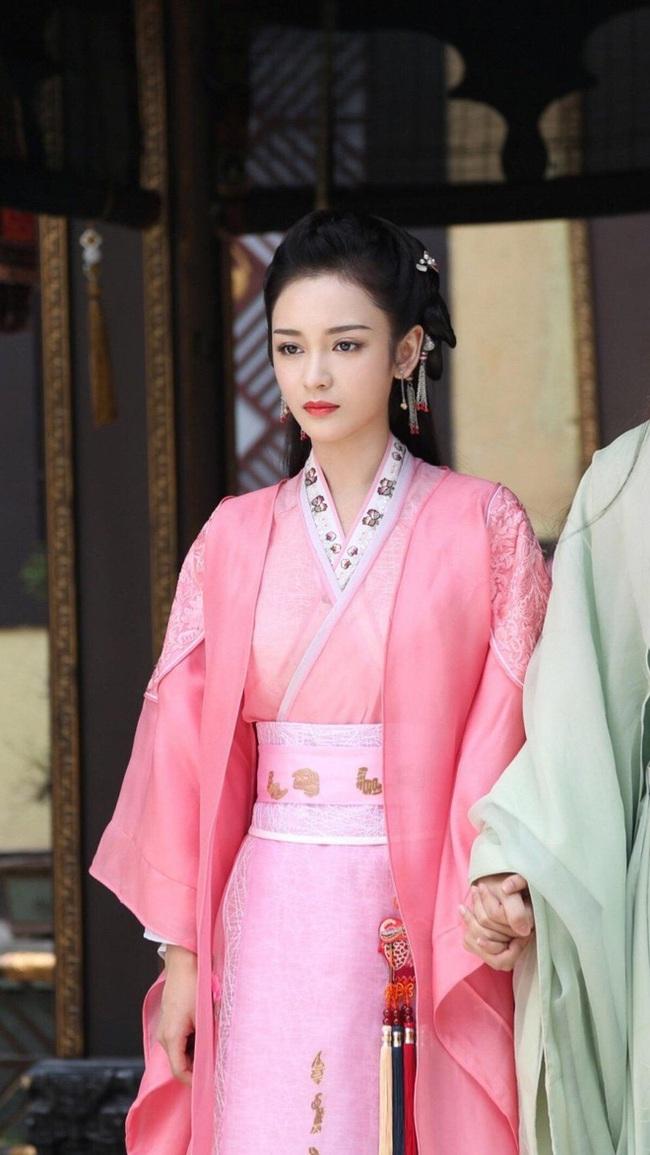 """""""Tam sinh tam thế Chẩm thượng thư"""": Cô gái bị tẩy chay vì chê bai Dương Mịch nay lại là tình địch của Địch Lệ Nhiệt Ba - Ảnh 8."""