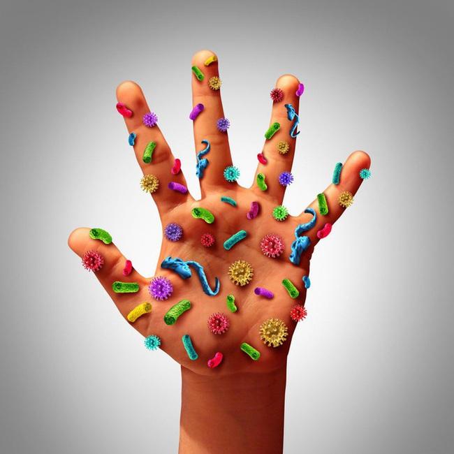 """Covid-19: Có 3 vị trí trên cơ thể dễ """"ẩn giấu"""" virus nhất, cần phải được khử trùng sau khi về nhà - Ảnh 2."""