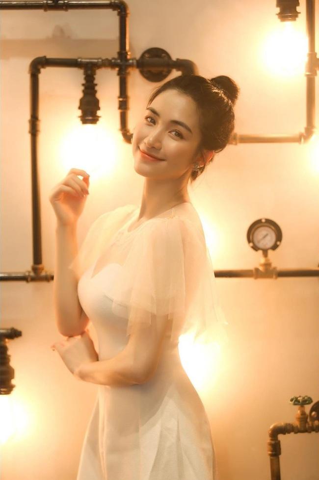 Tưởng Hoà Minzy đã hồi dáng sau sinh, hóa ra eo thon chỉ là sản phẩm photoshop - Ảnh 3.