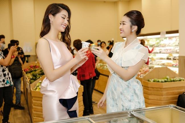 """Sau khi """"xuống tóc"""", Hoa hậu Lương Thùy Linh trông càng giống Đỗ Mỹ Linh - Ảnh 4."""
