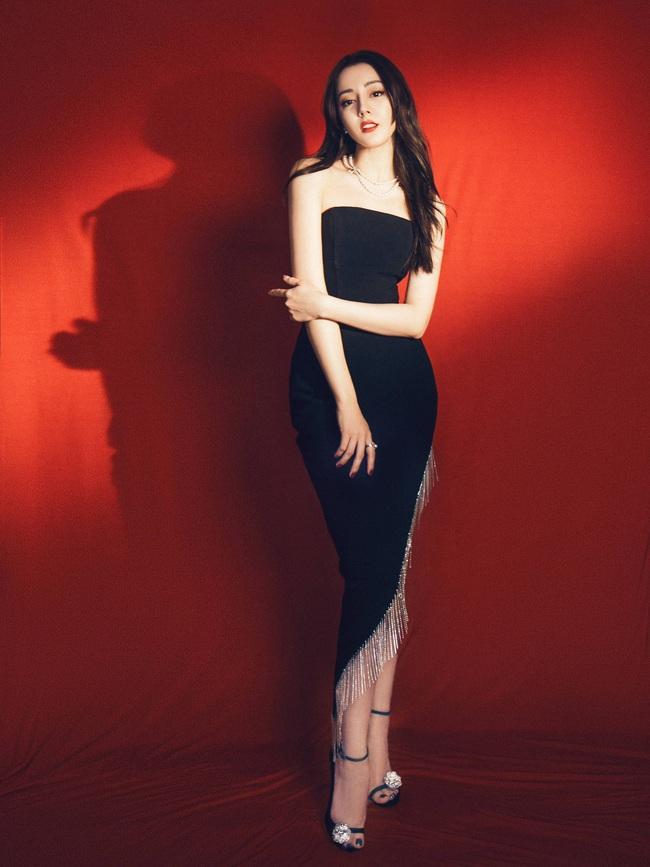 Không cần váy áo sặc sỡ đính sương sa, mỹ nhân Hoa - Hàn chỉ diện đầm đen huyền bí là đã đẹp không thốt nên lời - Ảnh 8.