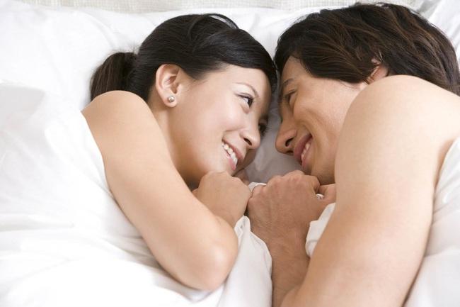 4 thủ thuật đơn giản trong tình dục mà nếu biết cách thực hiện sẽ khiến phụ nữ sẽ tận hưởng được cảm giác thỏa mãn vô cùng - Ảnh 1.