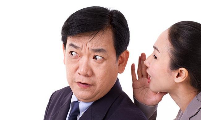 """Nghi ngờ đồng nghiệp nói xấu khiến mình bị sếp """"bơ"""", nàng công sở được chỉ điểm thuyết âm mưu đầy bất ngờ - Ảnh 2."""
