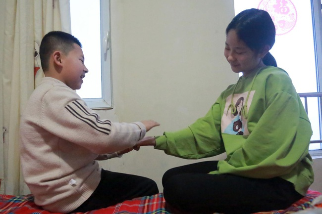 10 năm đi tìm con trai bị bắt cóc, người đàn ông đã đi qua hơn một nửa Trung Quốc và giúp đỡ 8 gia đình thất lạc người thân - Ảnh 2.
