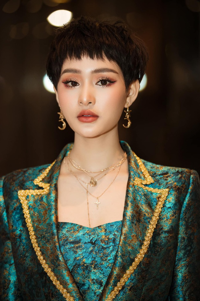 Hiền Hồ: Từ cô gái bị Tóc Tiên bỏ rơi ở The Voice đến mỹ nữ tạo hit của showbiz, khiến Trường Giang - Trấn Thành mê mẩn - Ảnh 9.