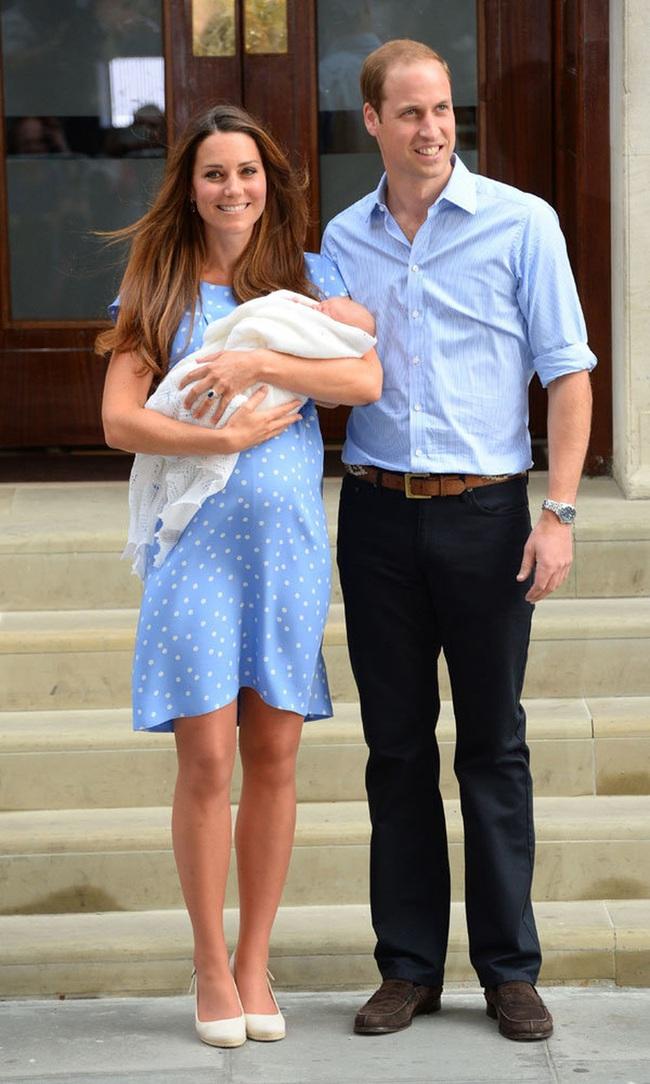 """Công nương Kate khiến em dâu Meghan Markle phải giận sôi máu sau khi công khai chia sẻ một """"bí mật"""" cho thấy cả hai khác nhau hoàn toàn - Ảnh 1."""