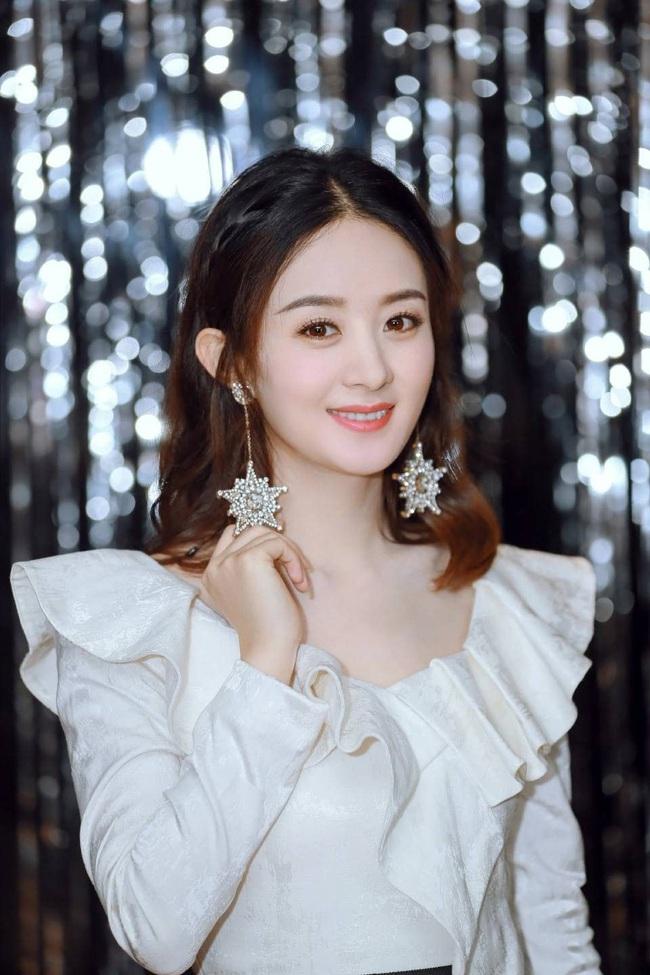 Địch Lệ Nhiệt Ba khốn đốn vì giải Thị Hậu, fan Triệu Lệ Dĩnh - Dương Mịch lại rầm rộ giành chức Nữ thần Kim Ưng  - Ảnh 4.