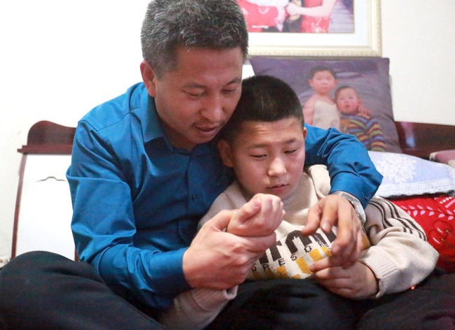 10 năm đi tìm con trai bị bắt cóc, người đàn ông đã đi qua hơn một nửa Trung Quốc và giúp đỡ 8 gia đình thất lạc người thân - Ảnh 3.