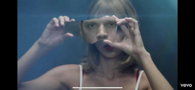 """Bị tố cáo """"tội danh đạo nhái"""" Taylor Swift y hệt cách Denis Đặng đã làm với mình, nhiếp ảnh gia người Nga tag thẳng tên """"dằn mặt"""" nữ ca sĩ - Ảnh 3."""