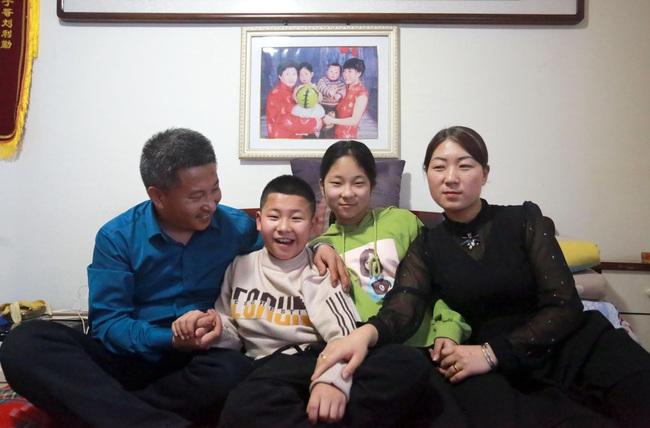 10 năm đi tìm con trai bị bắt cóc, người đàn ông đã đi qua hơn một nửa Trung Quốc và giúp đỡ 8 gia đình thất lạc người thân - Ảnh 6.