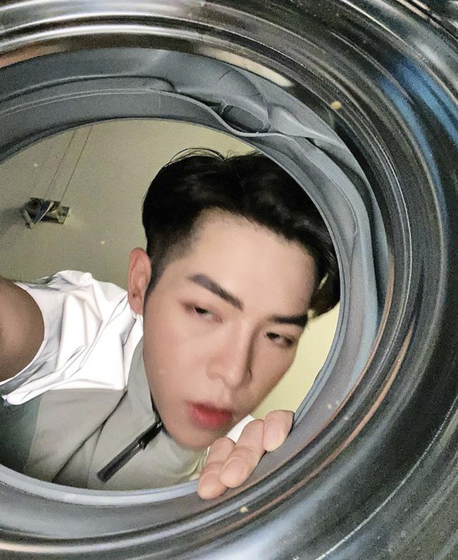 """Chuyện """"đu trend"""" chui vào máy giặt chụp ảnh của Đức Phúc: Ảnh đăng lên thì ngầu đấy, nhưng quá trình thì khá... quằn quại - Ảnh 5."""